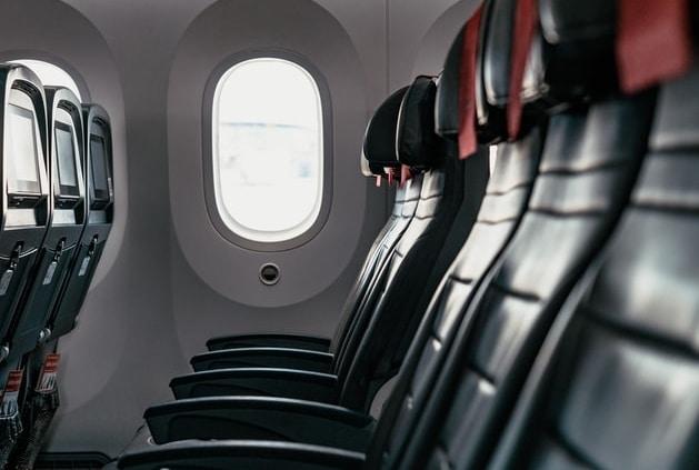 El lugar más seguro del avión: ¿en la ventana, en el centro o en el pasillo?
